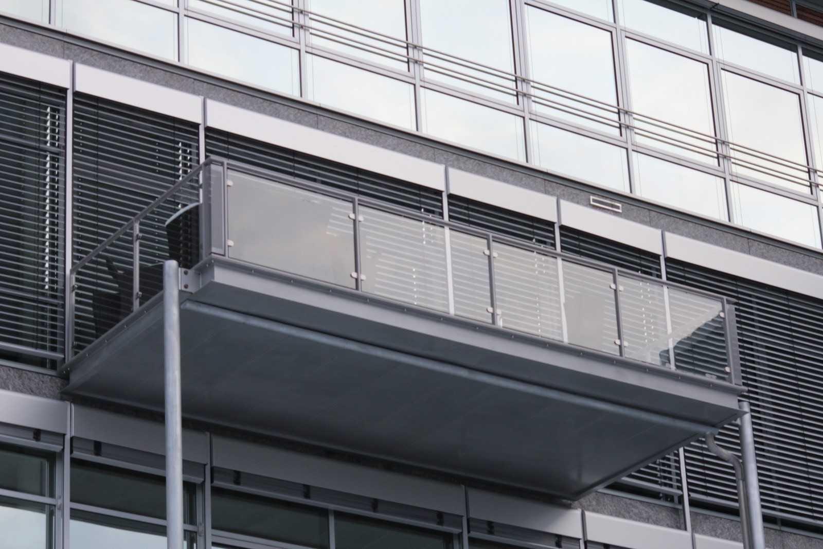 fullmet-konstrukcje-stalowe-balkony2