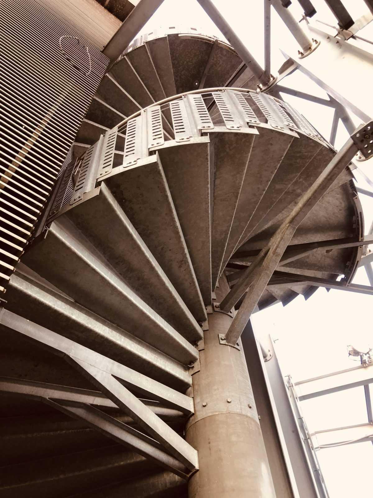 fullmet-konstrukcje-stalowe-schody metalowe4
